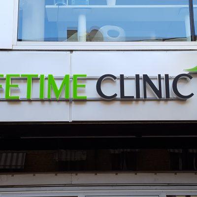 LIFETIME CLINIC. LED skylt, profil P6.