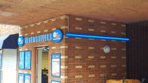 led skylt, led, profil p6, ljusskyltar, fasad skylt, butiksskylt.