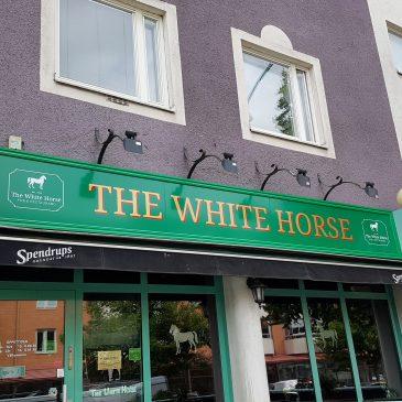 Plåtskyltar White Horse Pub & Restaurang