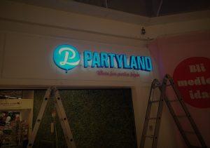 partyland led skylt